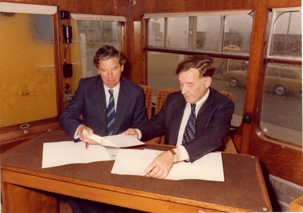 Walker Greaves Octel MD signing BR agreement outside Amlwch main gate 6/6/1978