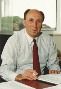 Dr Bob Young